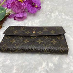 Preowned Authentic Louis Vuitton Monorgam Wallet